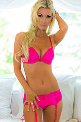 Kendra: Sexy Tahoe Stripper